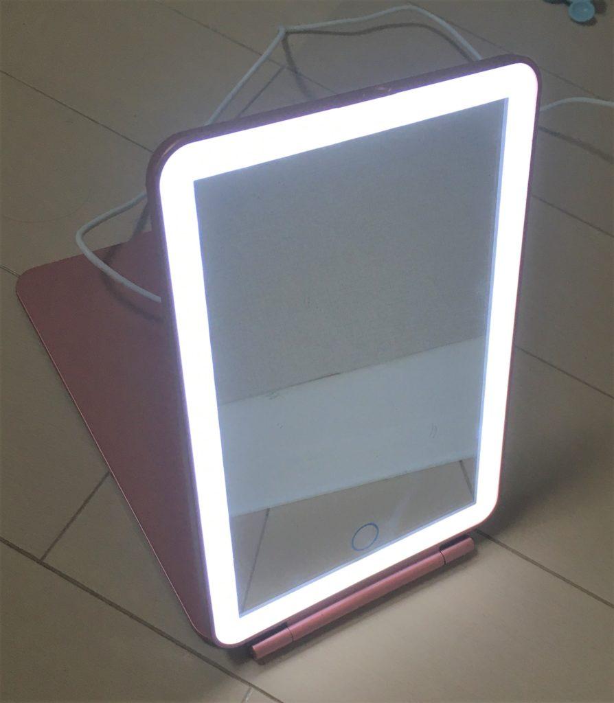 フェリエVIOを使う時のコツ(ライトアップミラー)を説明する写真